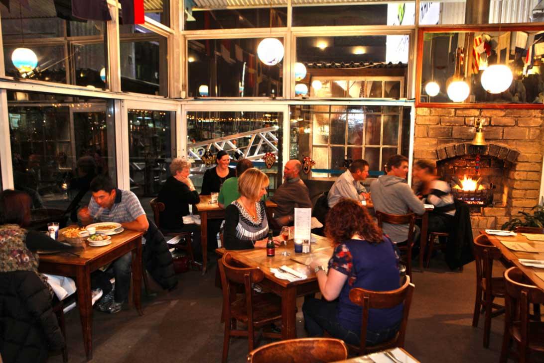 swashbucklers restaurant dining